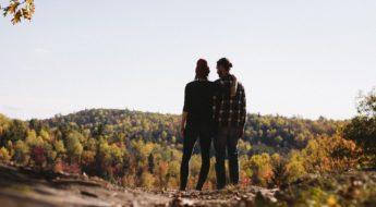 pareja-enamorados-paisaje-rioja